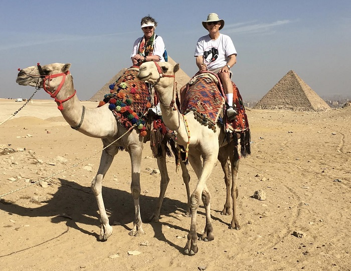 jack and judy on camels 700x